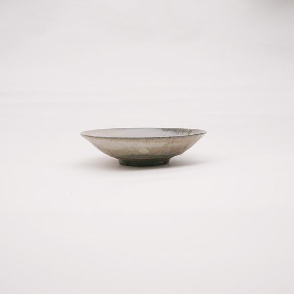 清岡幸道 灰白窯変粉引き平鉢 Φ18cm