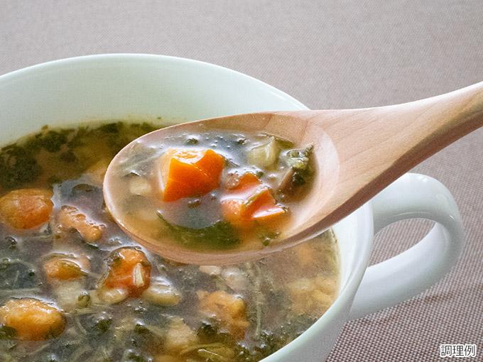 パクチー香るトムヤムスープ