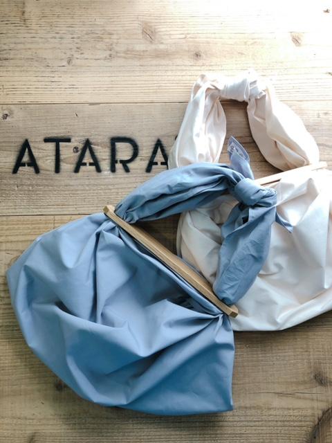 ATARA TSUTSUMU【リンゴ】  96×96cm