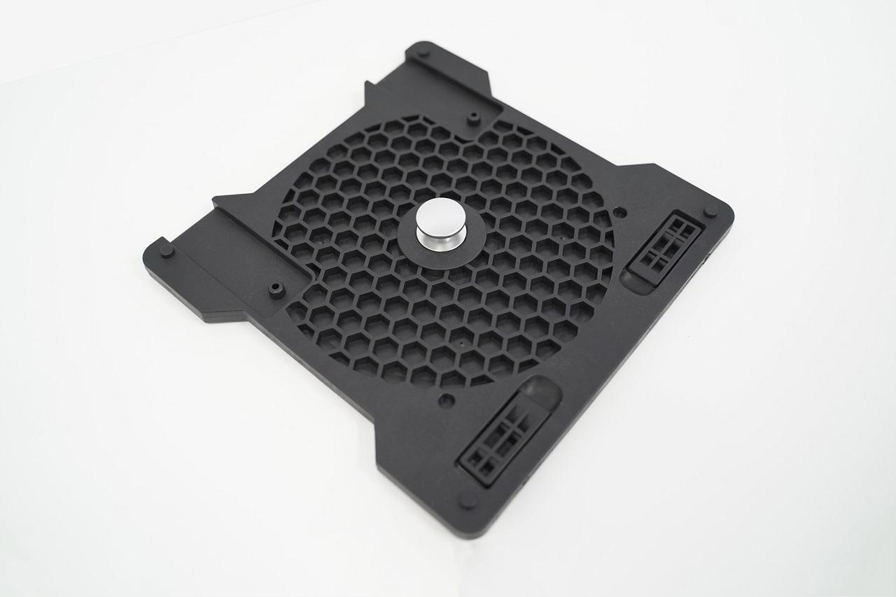HONEYCOMB ALPHA FLIGHT CONTROLS YOKE & SWITCH PANEL スイッチパネル一体型の便利なフライトヨークシステム リアルな180°回転角、13ボタン、9スイッチ、5接点イグニッションスイッチ、クランプなしでも設置できるデュアルマウンティングシステム採用