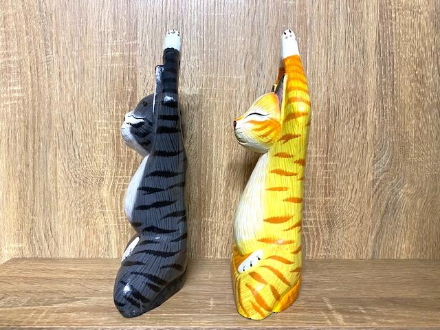猫の置物 ヨガポーズ 木彫り