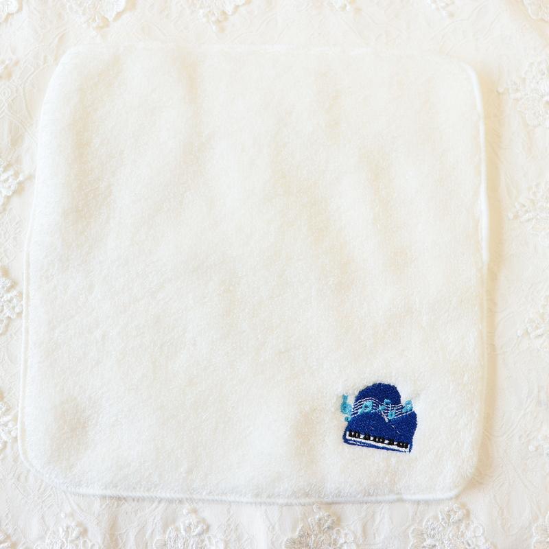 ピアノの刺繍入りタオルハンカチ 【ブルー】 IT-PIANO01