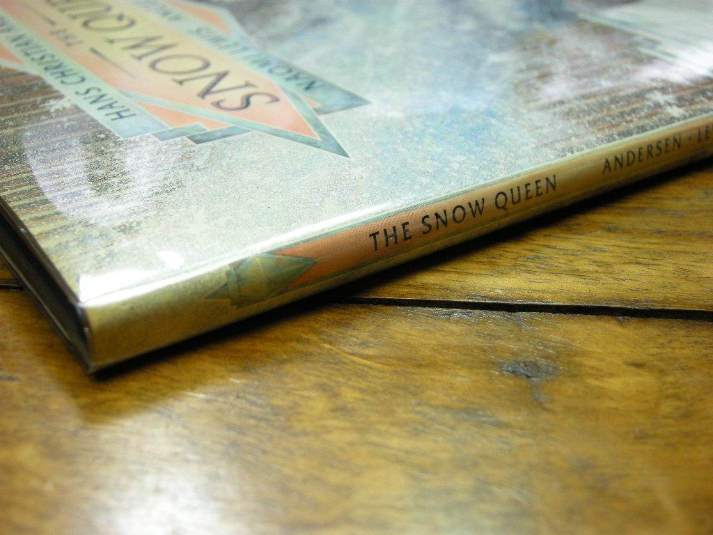 アンデルセン『THE SNOW QUEEN』ナオミルイス 雪の女王 ヴィンテージ英語絵本 フルカラー(ハードカバー) 1988年米国初版本 中古A