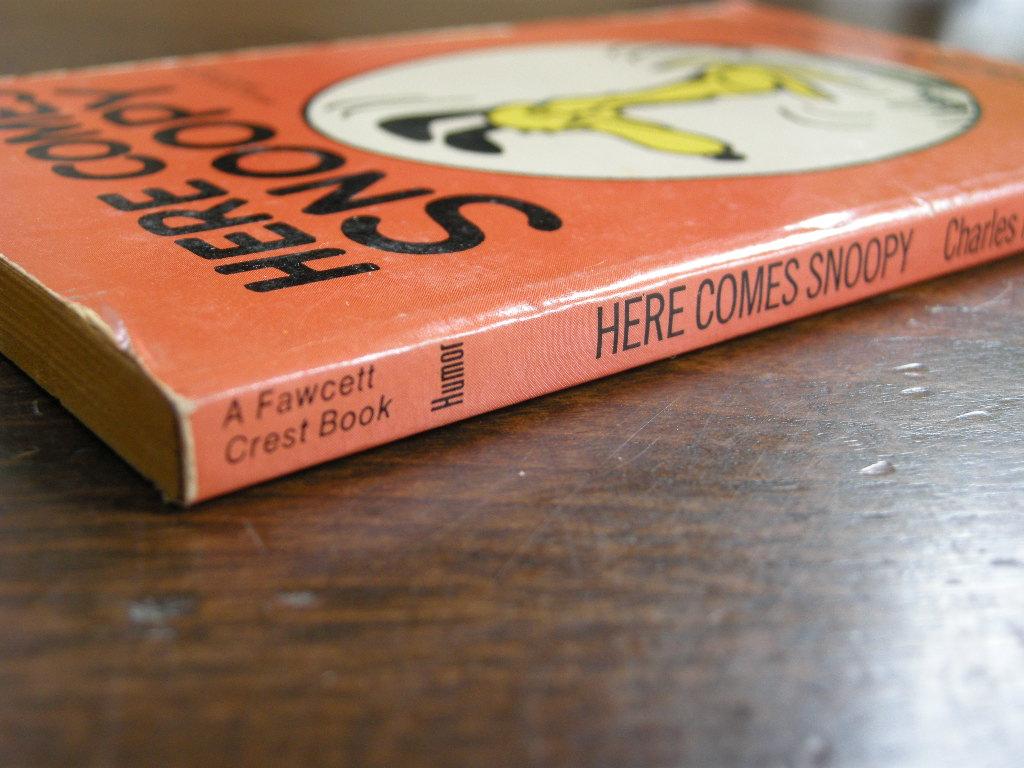 スヌーピー 『HERE COMES SNOOPY』 ヴィンテージコミックブック モノクロ 1958年発行 (ペーパーバック) No.002 中古AB