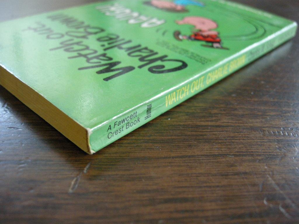 スヌーピー 『Watch out, Charlie brown』 ヴィンテージコミックブック モノクロ 1970年発行 (ペーパーバック) No.001 中古A