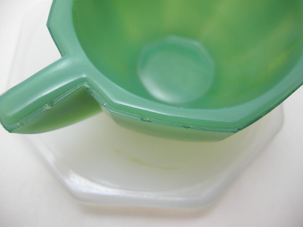 アクロアガット オクタゴナル ミニチュア カップ&ソーサー ジェードグリーン(濃いめ)/ホワイト AB No.008