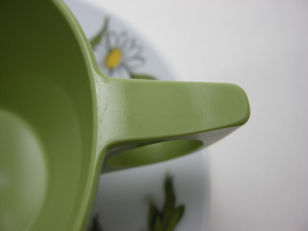 テキサスウェア メルマック カップ&ソーサー (若草色/デイジー) 1950年代 No.020 ヴィンテージ・メラミン樹脂製食器