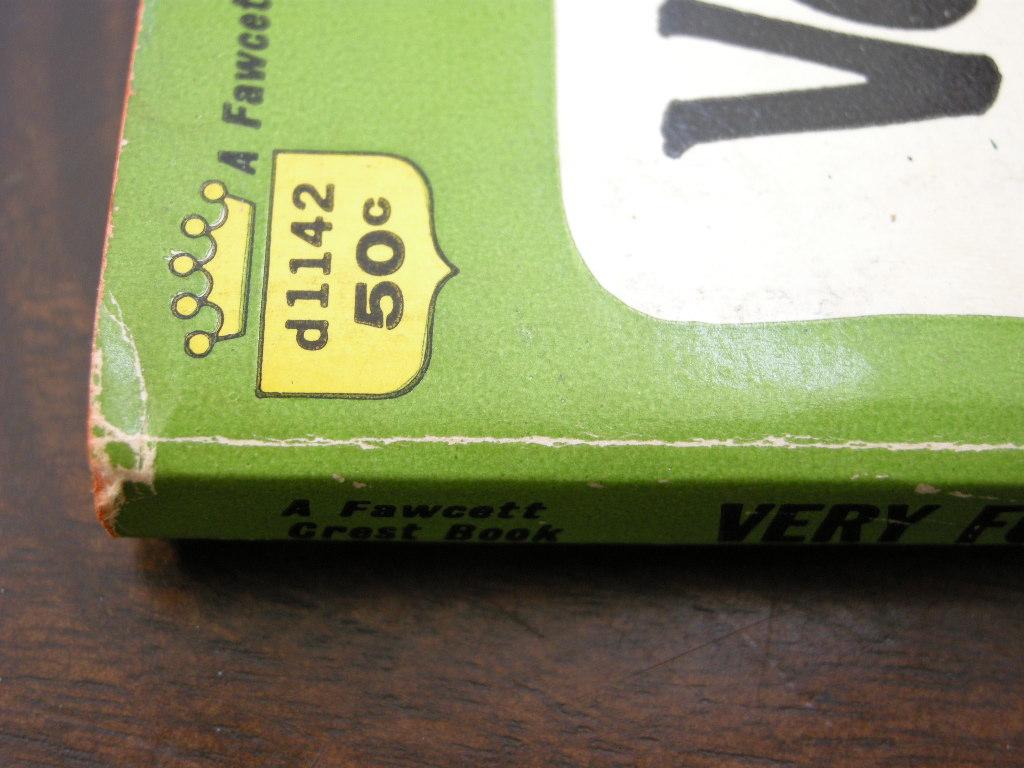 スヌーピー 『Very Funny,Charlie Brown』 ヴィンテージコミックブック モノクロ 1968年発行 (ペーパーバック) 中古 送料無料