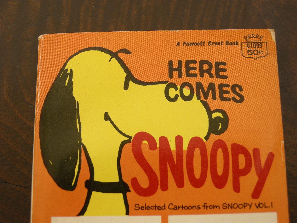 スヌーピー 『HERE COMES,SNOOPY』 ヴィンテージコミックブック モノクロ 1958年発行 (ペーパーバック) 中古 送料無料
