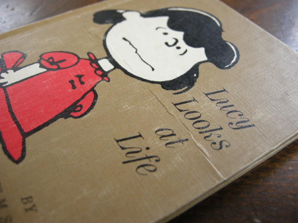 スヌーピー 『LUCY LOOKS AT LIFE』 ヴィンテージ絵本 2色刷り(ハードカバー) 1967年発行 中古