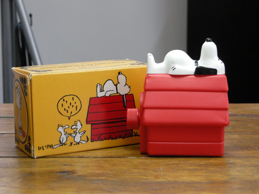 エイボン シャンプーボトル ピーナッツ スヌーピー&ドッグハウス (箱入り) 1969年 A No.049