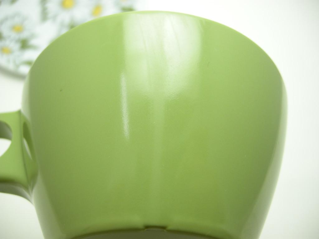 テキサスウェア メルマック カップ&ソーサー2客セット (若草色/デイジー) 1950年代 No.018 ヴィンテージ・メラミン樹脂製食器