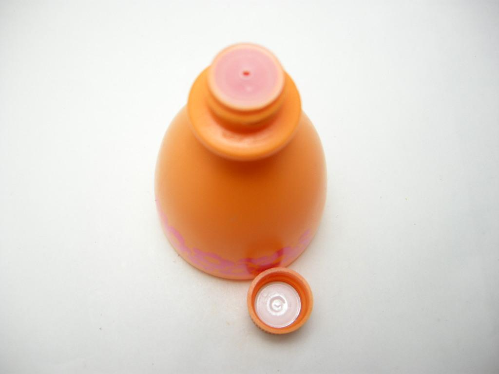 エイボン シャンプーボトル スモールワールド Senorita/スペイン 1970〜72年 AB No.023
