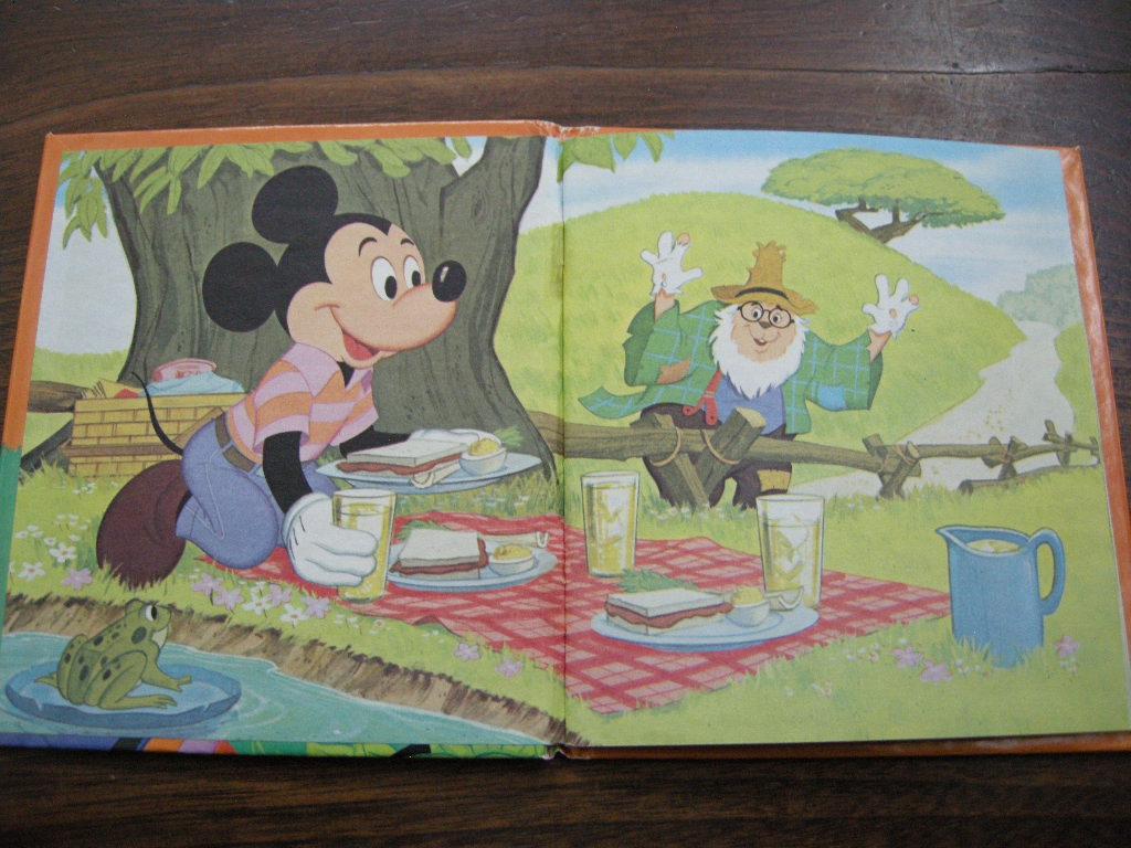 ディズニー ミッキーマウス 『Mickey Mouse』 ヴィンテージ英語絵本 フルカラー (ハードカバー) 中古A