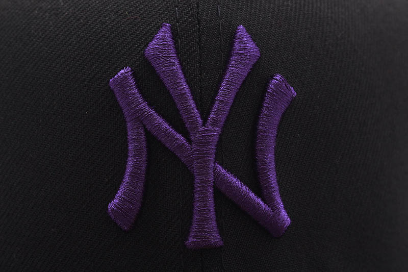 NEW ERA NEW YORK YANKEES 59FIFTY FITTED CAP (75th WORLD SERIES CUSTOM SIDE PATCH/PURPLE UNDER VISOR/BLACK)