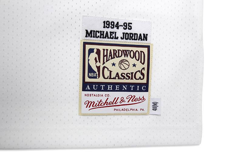 MITCHELL & NESS AUTHENTIC JERSEY (CHICAGO BULLS/HOME/1994-95/MICHAEL JORDAN)