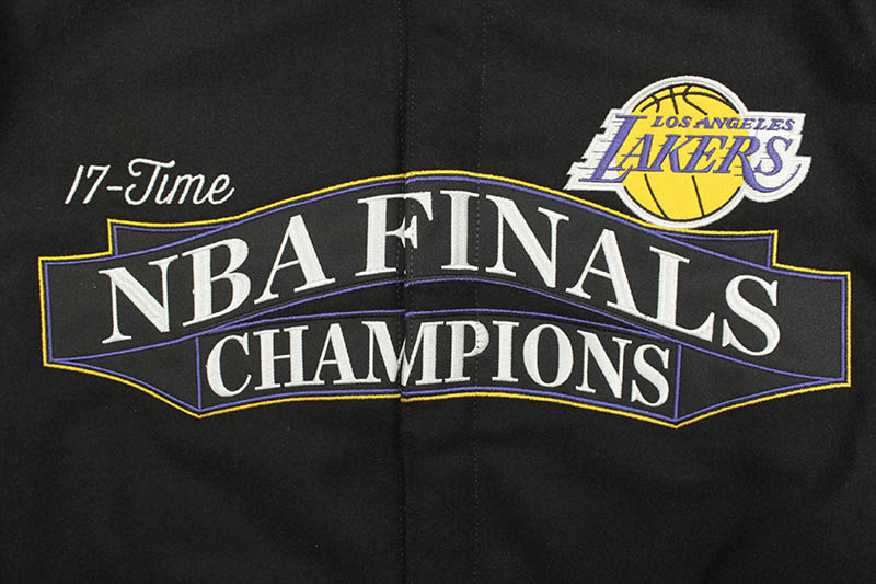 JH Design LA LAKERS 17-TIMES NBA FINALS CHAMPIONS REVERSIBLE JACKET (LAK103BAN0:BLACK)