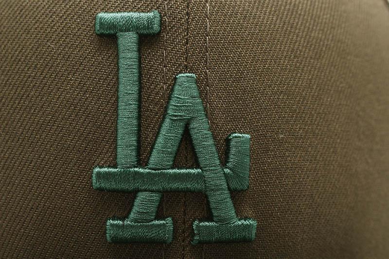 NEW ERA LOS ANGELES DODGERS 59FIFTY FITTED CAP (GREY UNDER VISOR/WALNUT&DARK GREEN)