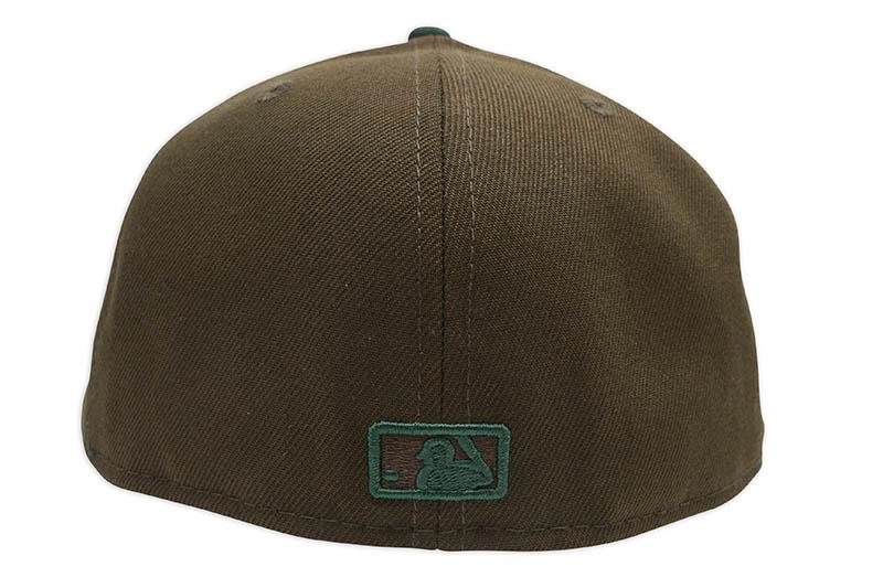NEW ERA CHICAGO WHITE SOX 59FIFTY FITTED CAP (GREY UNDER VISOR/WALNUT&DARK GREEN)
