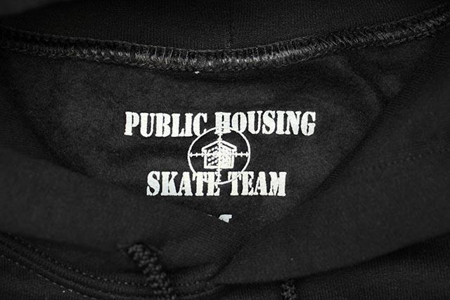 PUBLIC HOUSING SKATE TEAM DO NOT THROW HOODIE (BLACK)