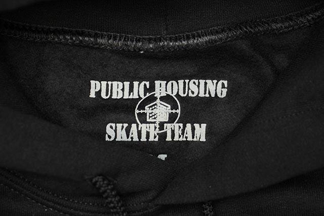 PUBLIC HOUSING SKATE TEAM LOGO HOODIE (BLACK)