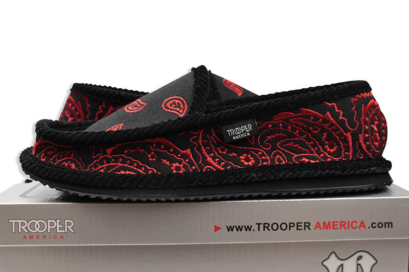 TROOPER EMBROIDERY HOUSE SHOES (KS-002E:BLACK/RED)