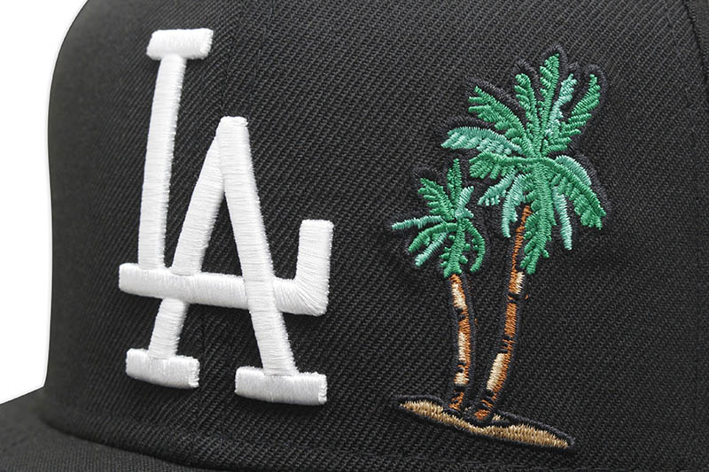 NEW ERA LOS ANGELES DODGERS 59FIFTY FITTED CAP (PALM TREE/PINK UNDER VISOR/BLACK)