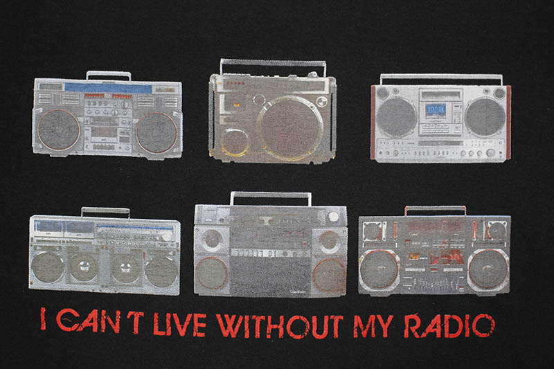 CLASSIC MATERIAL NY I CAN'T LIVE WITHOUT MY RADIO T-SHIRT (BLACK)