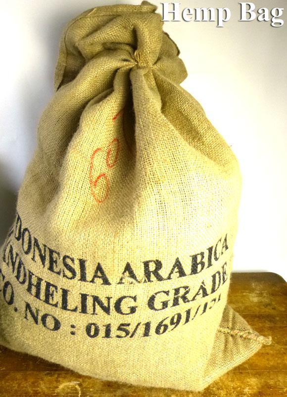 インドネシア産コーヒー豆 麻袋 ヘンプバッグ / 収納袋 / インテリア / リメイク用 / ドンゴロス(100×74cm)【中古】