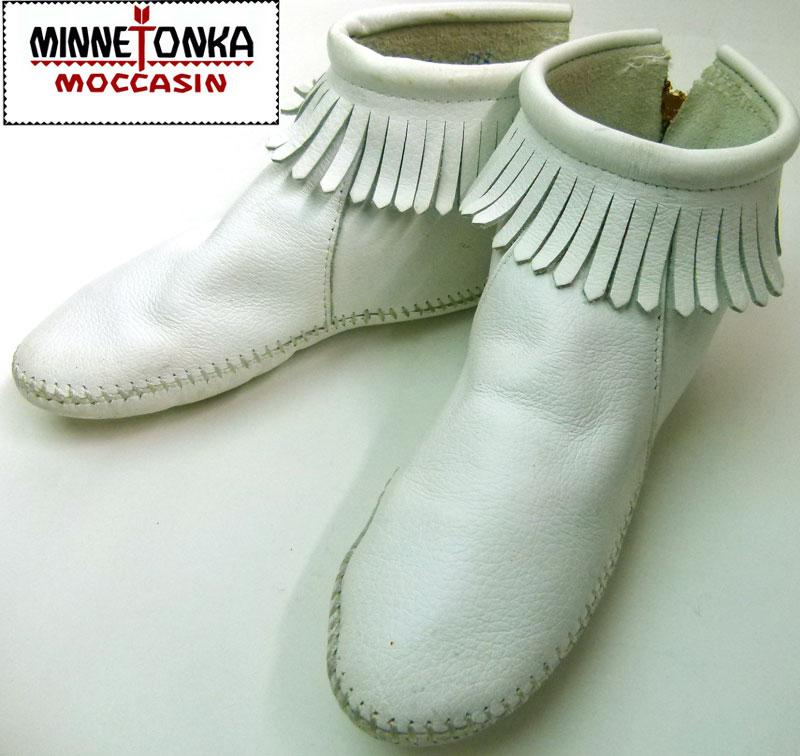 【MINNETONKA/ミネトンカ】本革レザーフリンジミディアムブーツ(22.5〜23cm相当)( レディース )【中古】