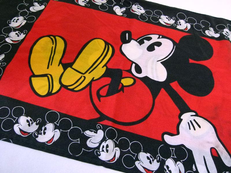ディズニー ミッキーマウス ピローケース 枕カバー【中古】【リメイク生地】