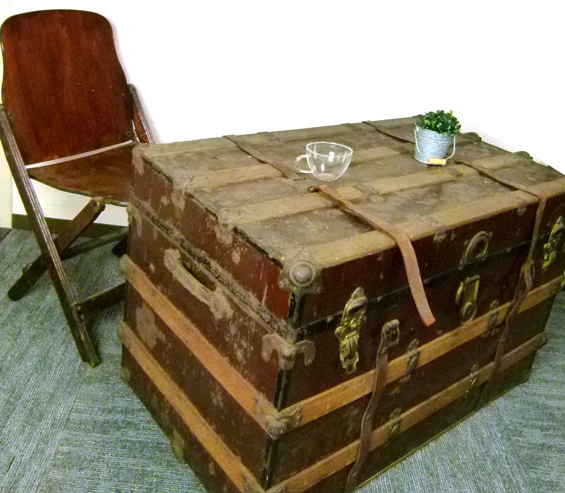 【代引き不可】USA製 ビンテージ木製トランク 船箱 テーブル 店舗什器【中古】【送料無料】