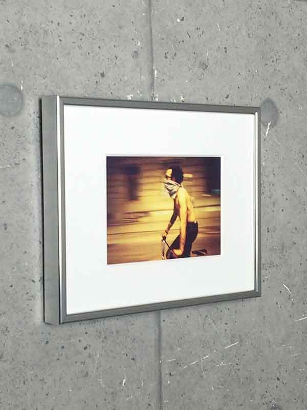額装品/ライアンマッギンレー Sam at Ground zero 2001(ライアンマッギンレー)