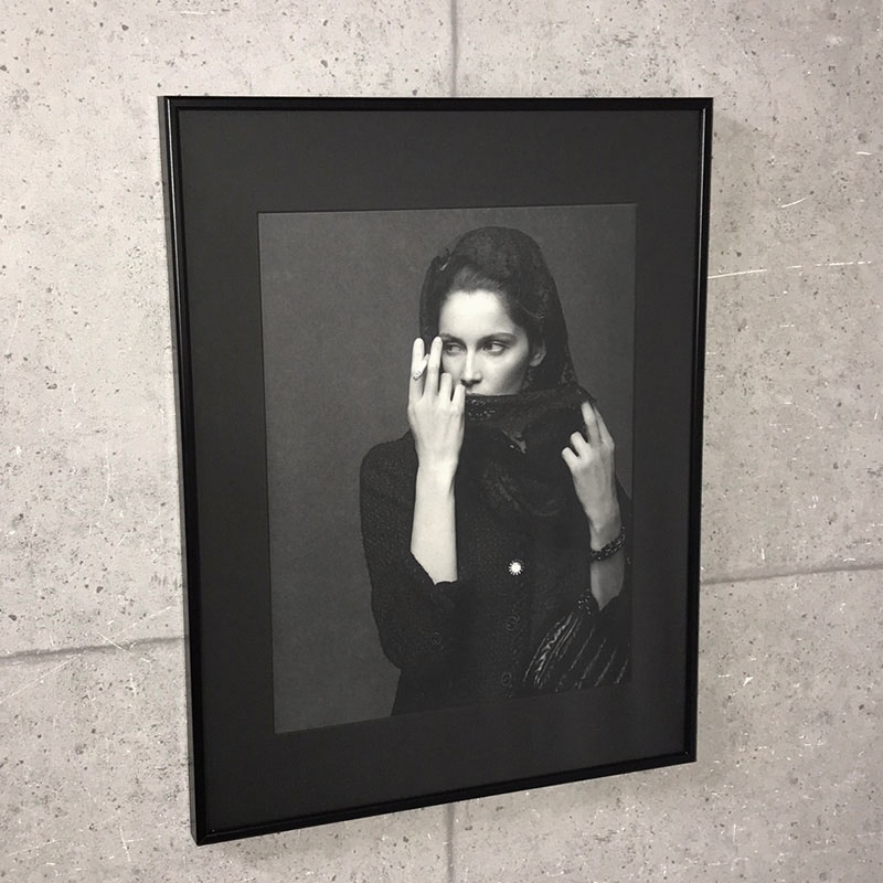 限定特殊マット額装品/シャネル CHANEL The Little Black Jacket Laetitia Casta