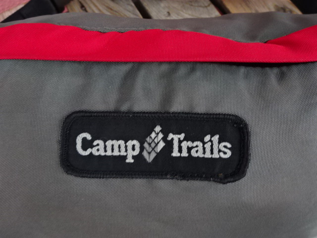 USED ビンテージ 80'S キャンプトレイルズ ヒップパック グレーに赤 bah322