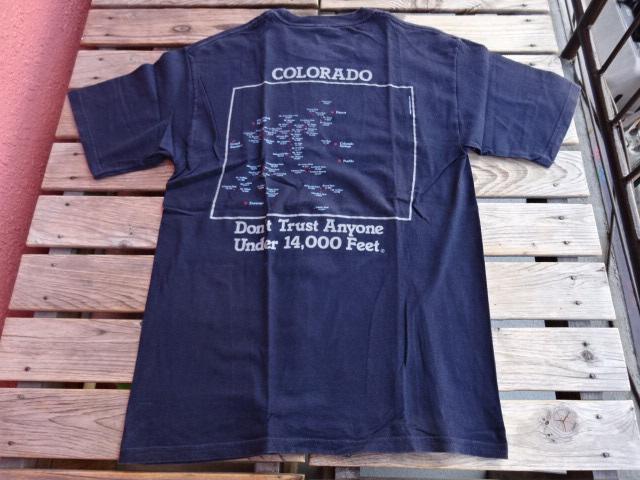 USED マウンテンシャレー コロラドスプリングスにある老舗アウトドア屋のオリジナルTシャツ 紺 M tsg141