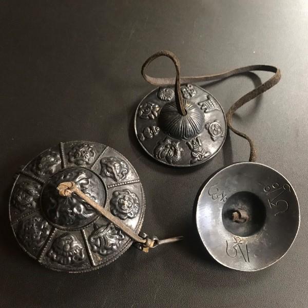 ティンシャ&ティンシャケース【吉祥八紋様】【ブラックカラー】/チベット密教法具