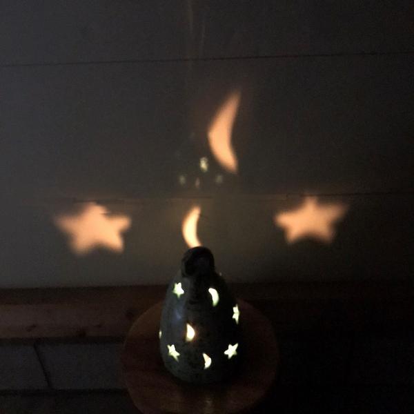 キャンドルホルダー テラコッタ・素焼きのキャンドルホルダー 【星と三日月】 【ダーク】