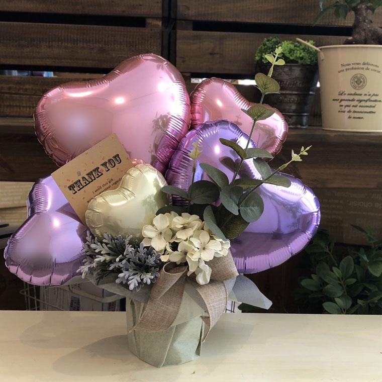 開店祝いや周年祝いに人気のナチュラルで優しい雰囲気の置き型バルーンギフト☆