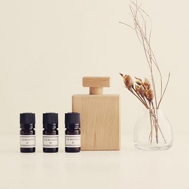 香水瓶型 木製ディフューザー(箱入り)