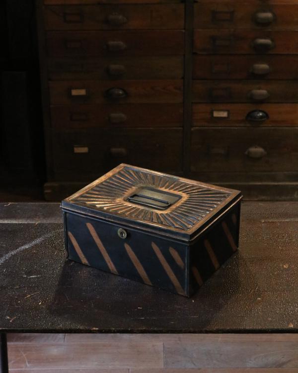 Safe Box|キャッシュボックス