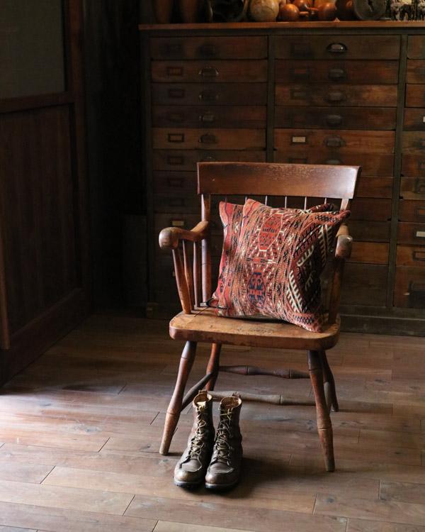 Old Carpet Cushion I オールドカーペットクッション I