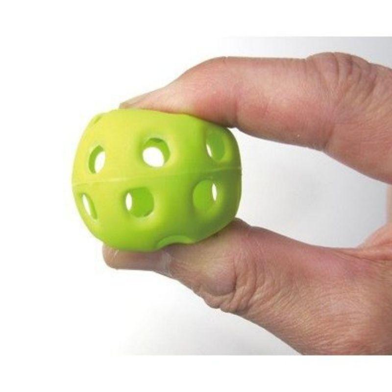 【10月より価格改定】室内練習用球 穴あき 300球入り 専用バッグ付