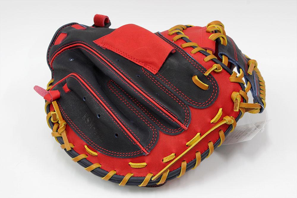 久保田スラッガー 左投げ用 限定軟式キャッチャーミット LT17-422 KSブラック×レッド 一般軟式用 キャッチャーミット 大きめポケットで安心感あります