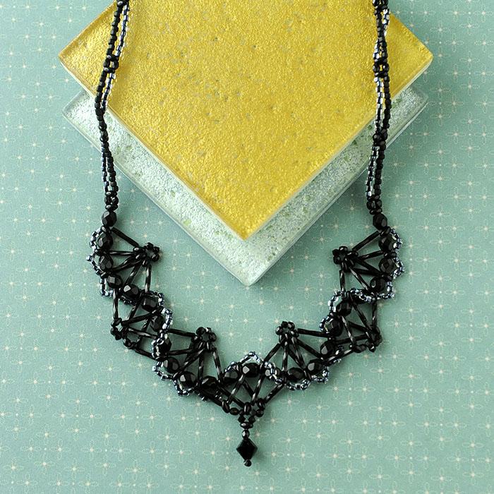 Folding〜扇〜 ブラック NE-010BL 【作家:籔本真由美(Rust&Black Cat)】