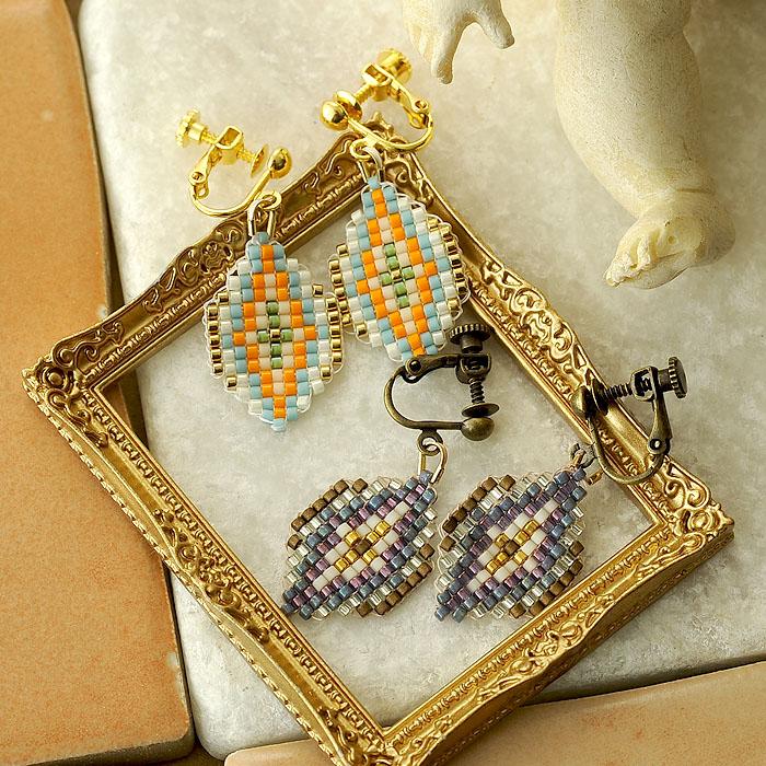 ビーズファクトリー 増やし目減らし目が学べる デリカビーズ織りアクセサリーキット〜ジオメトリック・イヤリング(ゴールド)〜  BFK-495