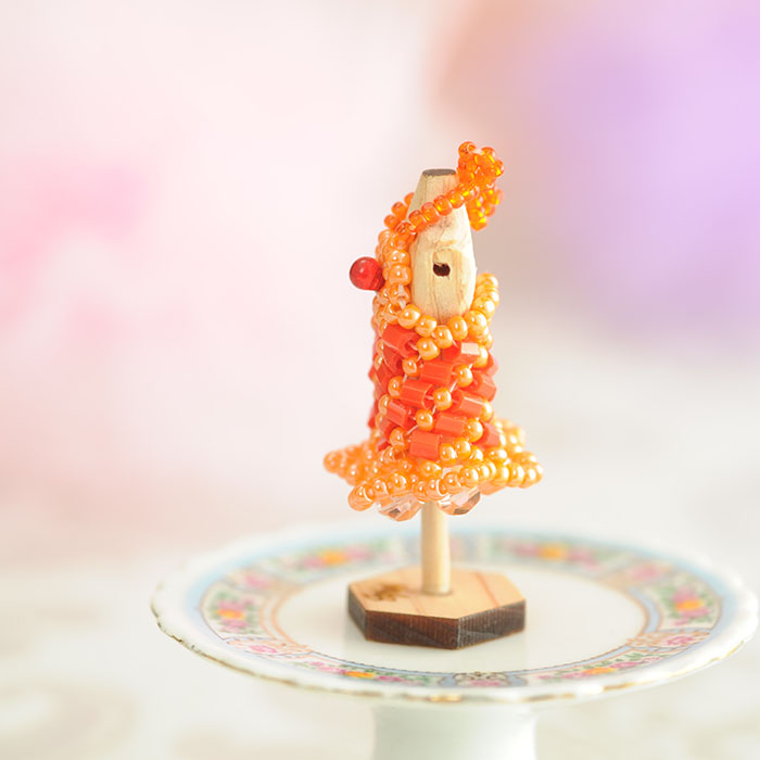 ビーズステッチで作るハニカムトルソードレス〜サマンサ・オレンジ〜  【作家:漆原昌美(Mai My Beads)】