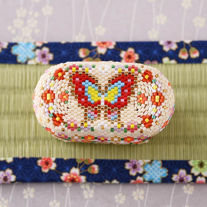 ステッチボックス〜椿と蝶〜  ビーズマニア