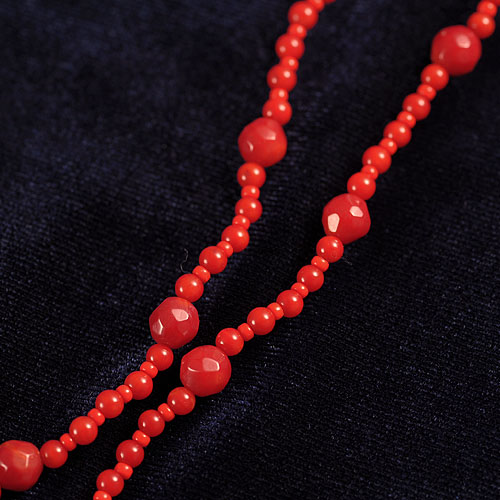 赤い薔薇とリボンのネックレス  【作家:NARUMIDO】