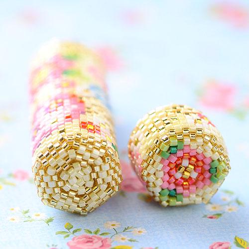 花手毬のニードルケース  【ビーズマニア】